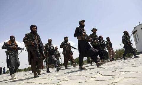 """СМИ: """"Талибан"""" намерен сформировать совет из 12 человек для управления Афганистаном"""