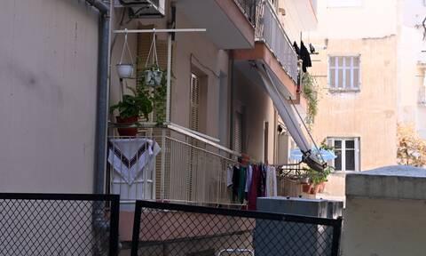 Θεσσαλονίκη: Ο Γεωργιανός σκότωσε την 56χρονη και μετά κλείδωσε την πόρτα -Οδηγείται στον εισαγγελέα