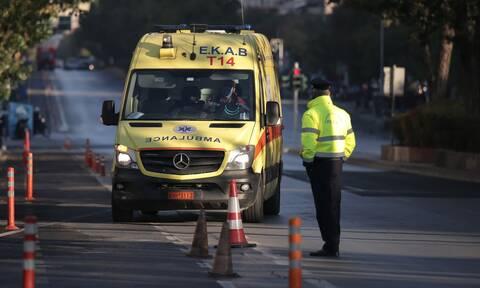 Κορονοϊός: Ανεμβολίαστοι οι 1.245 από τους 4.000 εργαζόμενους στο ΕΚΑΒ