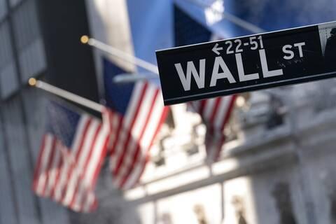 Wall Street: Κλείσιμο με πάνω από 15.000 μονάδες για τον Nasdaq