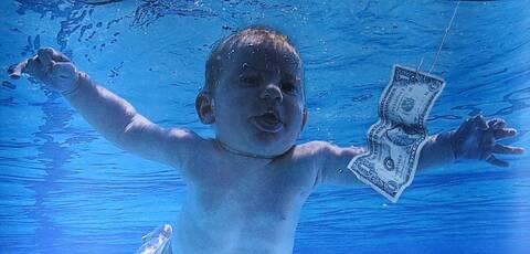Το μωρό από το εξώφυλλο του «Nevermind» μηνύει τους Nirvana για παιδική πορνογραφία