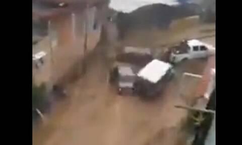 Βενεζουέλα: Τουλάχιστον 15 νεκροί από τις καταρρακτώδεις βροχές
