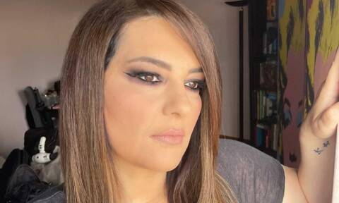 Κατερίνα Ζαρίφη: Απίστευτη ομοιότητα με την αδερφή της - Μπορείς να τις ξεχωρίσεις; (video)