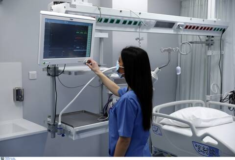 Γιαννάκος: Να δοθεί παράταση για τους ανεμβολίαστους υγειονομικούς - Κίνδυνος αν τεθούν σε αναστολή