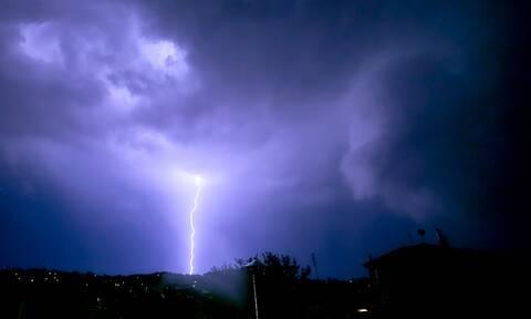 Έκτακτο δελτίο επιδείνωσης καιρού: Έρχονται βροχές και καταιγίδες μέχρι το πρωί της Παρασκευής