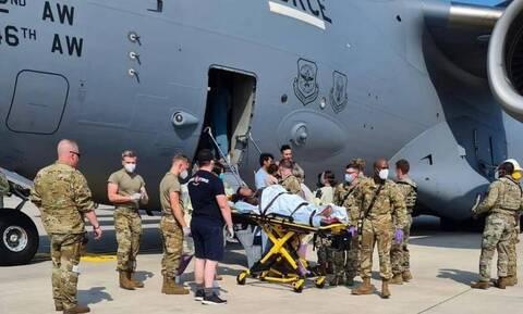 Αφγανιστάν: Γεννήθηκε βρέφος μέσα σε αεροσκάφος - Πήρε το όνομα του