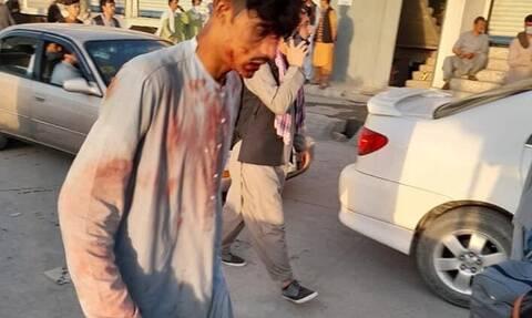 Αφγανιστάν: Σοκαριστικό βίντεο από τη δεύτερη έκρηξη στο αεροδρόμιο της Καμπούλ (σκληρές εικόνες)