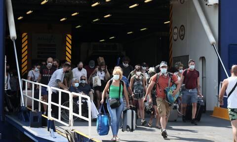 Μύκονος: Συνελήφθη ο πλοίαρχος του «Sifnos Jet» για μεταφορά υπεράριθμων επιβατών