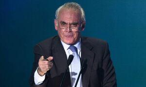В Греции скончался бывший министр обороны Акис Цохатзопулос