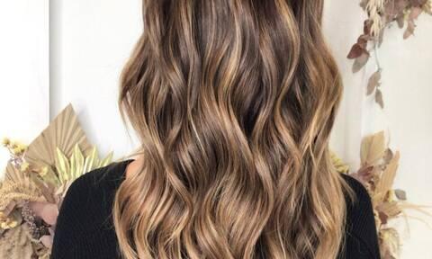 Αυτό το χρώμα μαλλιών θα βλέπεις παντού το φθινόπωρο
