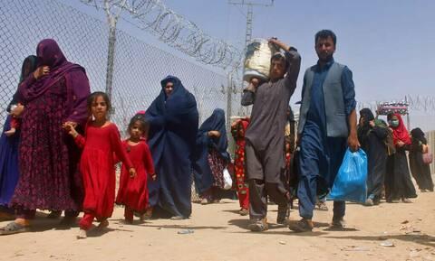 Προειδοποίηση ΟΗΕ: Έως και μισό εκατομμύριο Αφγανοί πρόσφυγες το 2021