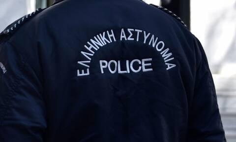 Κόρινθος: Σύλληψη αστυνομικού για κλοπή 600 ευρώ από μετανάστη