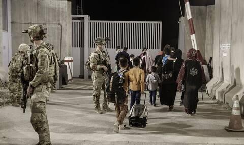 Οι Ταλιμπάν λένε ότι ελέγχουν μεγάλο μέρος του αεροδρομίου της Καμπούλ - Διαψεύδει το Πεντάγωνο