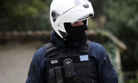 Αστυνομικός έκλεψε 600 ευρώ από μετανάστες - «Το έκανα γιατί είμαι εθισμένος στον τζόγο»