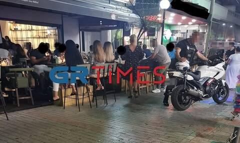 Θεσσαλονίκη: Άνδρας εισέβαλε σε κατάστημα και απείλησε με μαχαίρι έναν θαμώνα