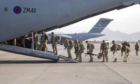 Αφγανιστάν: Αναχώρησε και η τελευταία βρετανική στρατιωτική πτήση από την Καμπούλ
