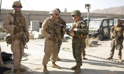 Καμπούλ: Ταλιμπάν και αμερικανικές δυνάμεις προσβλέπουν σε ταχεία παράδοση του αεροδρομίου