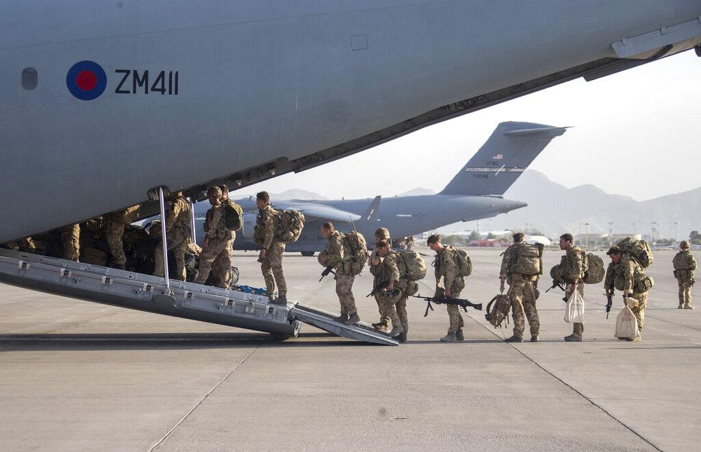 Βρετανία στρατιώτες Καμπούλ