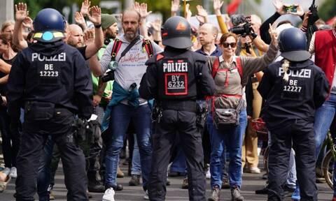 Γερμανία: Για δεύτερη συνεχόμενη ημέρα διαδηλωτές στους δρόμους για τα μέτρα κατά του κορονοϊού