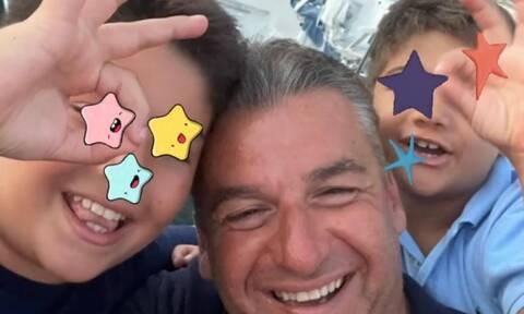 Γιώργος Λιάγκας - Δείτε τις αναρτήσεις που έκανε μέσα στο ΣΚ με τους γιους του