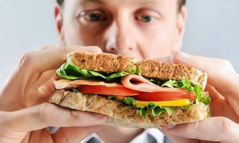 Τροφή για άντρες: Τι πρέπει και τι δεν πρέπει να τρώτε;
