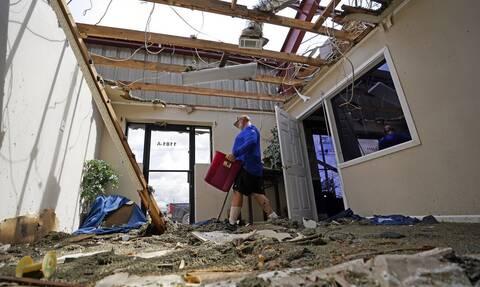 Τυφώνας Άιντα: Ένας νεκρός, καταστροφές και πάνω από ένα εκατ. νοικοκυριά στο «σκοτάδι»