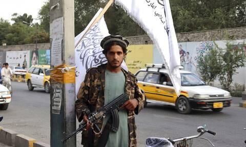 Πυρά στην Καμπούλ μετά την ανακοίνωση της αποχώρησης των τελευταίων στρατιωτικών των ΗΠΑ