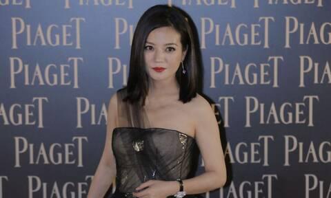 Κίνα: Η κυβέρνηση «εξαφάνισε» διάσημη ηθοποιό - Ποια είναι η... άφαντη Zhao Wei