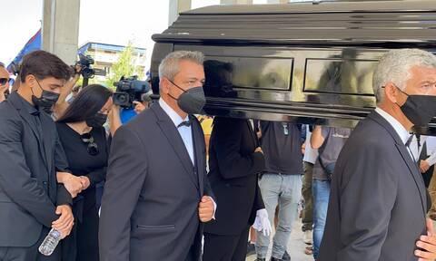 Κηδεία Άκη Τσοχατζόπουλου: Συγγενείς, φίλοι αλλά και πρώην συνεργάτες είπαν το τελευταίο αντίο