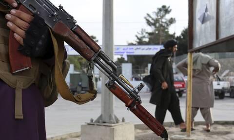 Aφγανιστάν: Γιατί οι Ταλιμπάν αφήνουν απειλητικά μηνύματα στις πόρτες πολιτών