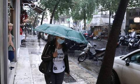 Επιδείνωση του καιρού: Πού θα βρέχει την Τετάρτη - Τοπικές μπόρες στην Αττική