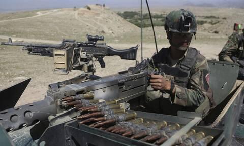 ΗΠΑ: Απόστρατοι καλούν σε παραίτηση τους επικεφαλής του Πενταγώνου για το χάος στο Αφγανιστάν
