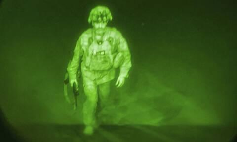 Αυτός ήταν ο τελευταίος στρατιώτης των ΗΠΑ που έφυγε από το Αφγανιστάν