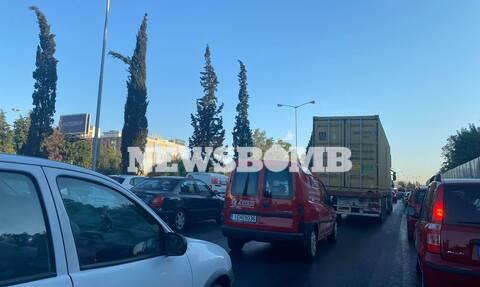 Κίνηση στους δρόμους της Αθήνας: Κυκλοφοριακό χάος στον Κηφισό