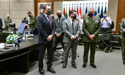 Υπουργείο Άμυνας: Σε θερμό κλίμα η τελετή παράδοσης - παραλαβής από Στεφανή σε Χαρδαλιά