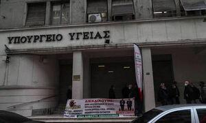 Завтра греческие врачи проведут массовые протесты и забастовки
