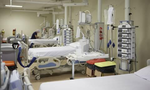Χίος: Βρέφος 3,5 μηνών στο νοσοκομείο με κορονοϊό