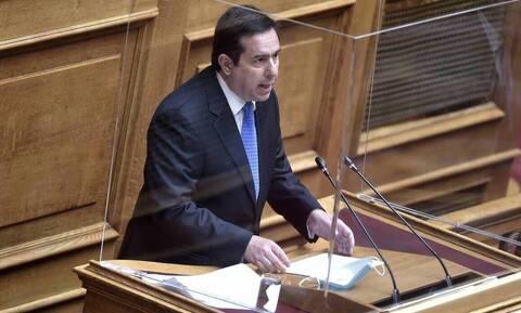 Τροπολογία νομιμοποιεί δαπάνες του υπουργείου Μετανάστευσης και Ασύλου