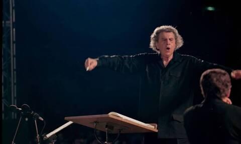 В Греции скончался легендарный музыкант Микис Теодоракис
