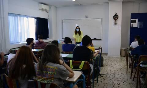 Κορονοϊός: Δεκαέξι ερωταπαντήσεις για τον εμβολιασμό παιδιών και εφήβων πριν απο τη σχολική χρονιά