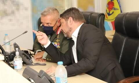 Υπουργείο Άμυνας: Η πρώτη μέρα του Νίκου Χαρδαλιά ως υφυπουργού - Η ενημέρωση από τον Στρατηγό Φλώρο