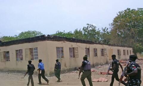 Νιγηρία: Διασώθηκαν πέντε από τους 73 μαθητές της μαζικής απαγωγής σε σχολείο στην Ζαμφαρά