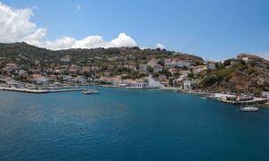 В Греции объявлен мини-локдаун в нескольких регионах и на некоторых островах