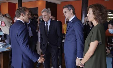 Στη Μασσαλία ο Κυριάκος Μητσοτάκης: Γεύμα με Μακρόν και Χάρισον Φορντ για το περιβάλλον