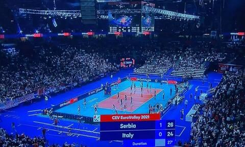 Κορονοϊός - Σερβία: Απίστευτες εικόνες στον ευρωπαϊκό τελικό βόλεϊ γυναικών με 20.000 στις κερκίδες!