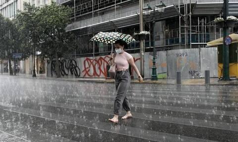 Καιρός - Αρνιακός στο Newsbomb.gr: Ισχυρές βροχές θα σαρώσουν τη χώρα - Πότε θα χτυπήσουν την Αττική
