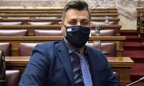 Kόντρα κυβέρνησης - ΣΥΡΙΖΑ μετά την ανάρτηση Καλλιάνου για τον Σεμέδο