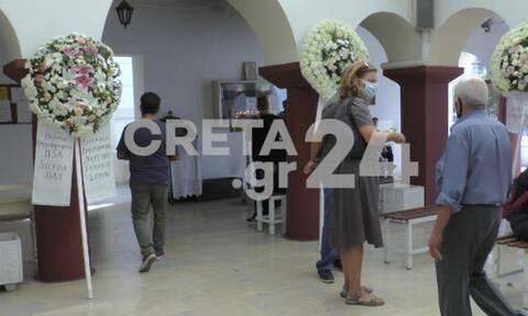 Κρήτη: Σε κλίμα οδύνης το τελευταίο αντίο στη Θέλμα που «έσβησε» μετά από τροχαίο (pics)