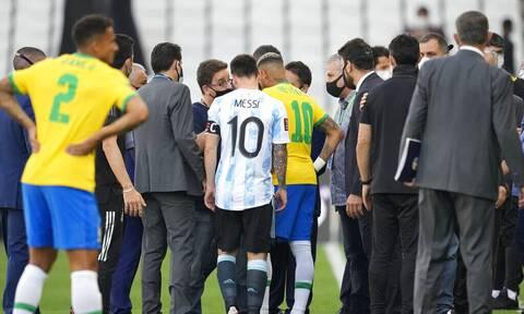 Πανικός στο Βραζιλία – Αργεντινή: Οριστική διακοπή λόγω κορονοϊού! Εισέβαλε στο γήπεδο η Αστυνομία