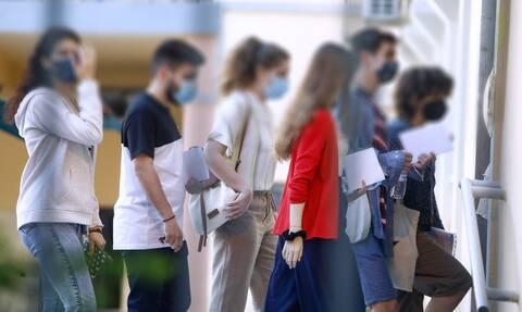 Καμπανάκι Λινού για τα σχολεία: Οι μαθητές που θα νοσήσουν θα μεταφέρουν τον κορονοϊό σε 150 άτομα